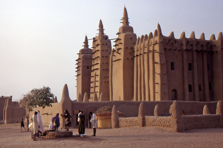 La grande mosquée-1, Djenné, Mali, au petit matin.