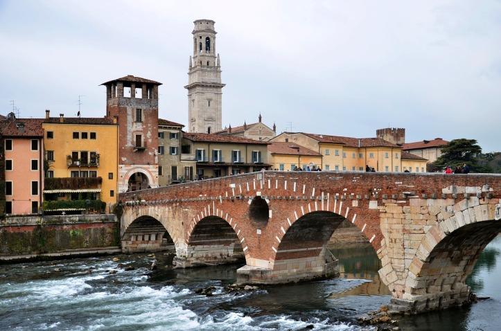 stone-bridge-3067953_1280